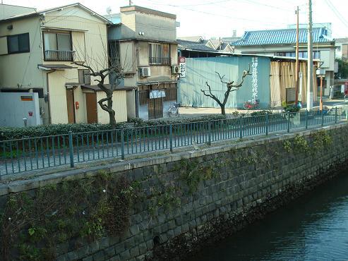 神奈川駅近く