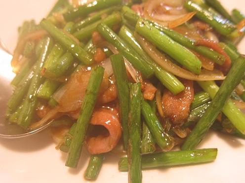 牛肉とニンニクの炒め